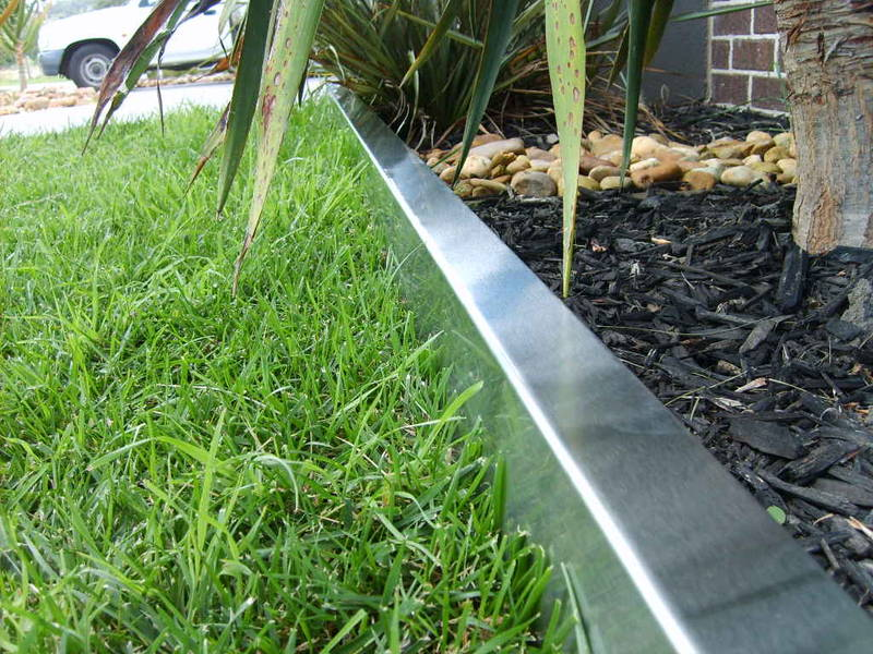 Choose the steel landscape edging garden edging ideas for Lawn edging materials