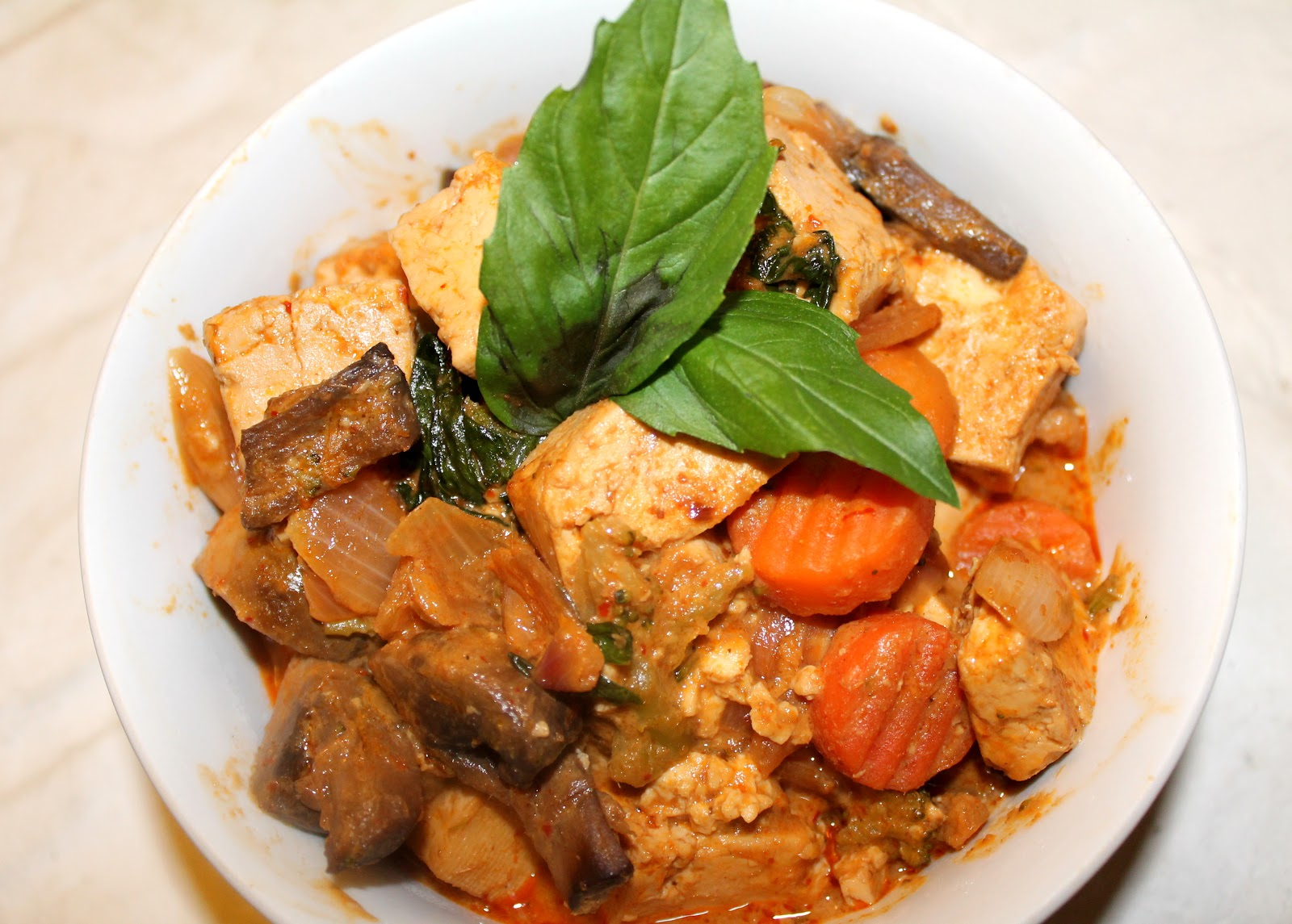red thai curry with tofu with veggies & lots of freshly chopped basil ...