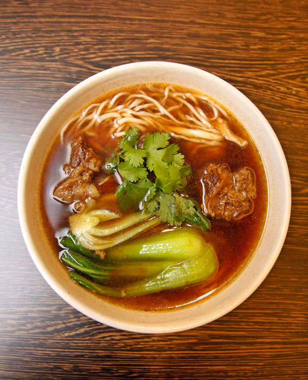 Soup Noodles with Braised Beef in Brown Sauce