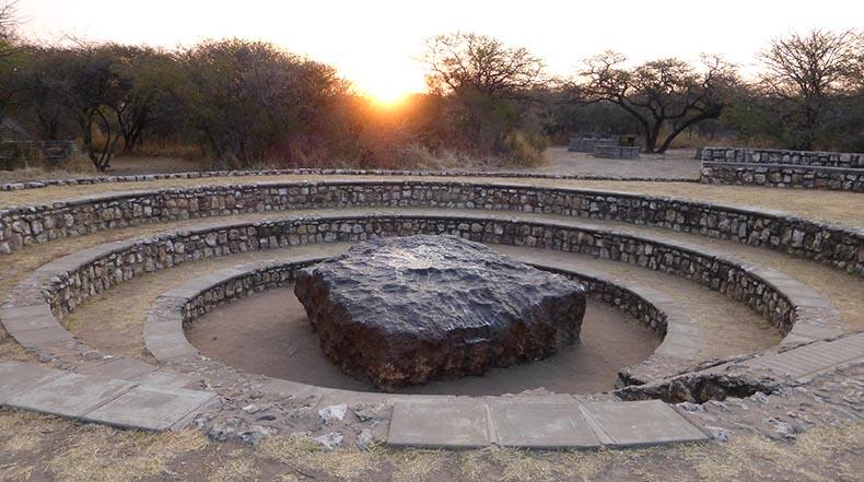 El meteorito hoba el meteorito m 225 s grande del mundo namibia ruta