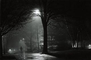 Antara Malam Hujan dan Dewi Gadis Pujaan