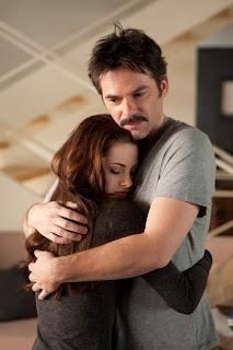 Bella y Charlie, su padre. Escena de Amanecer. Parte 2. LA TAQUILLA. Making Of