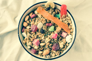 List-Of-Healthy-Foods-muesli-with-fruits
