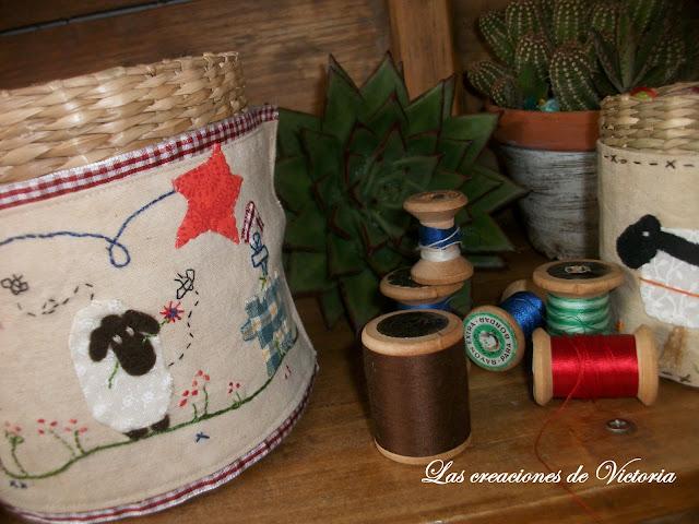 Las creaciones de Victoria. Patchwork. Cubre cestas country