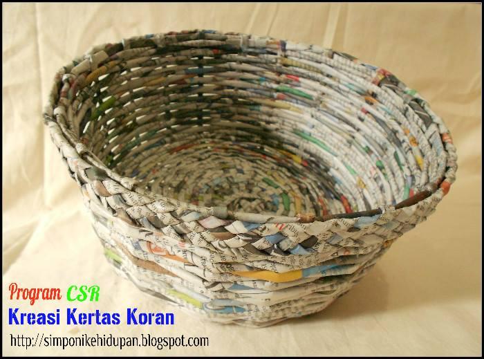 Program CSR Go Green : Kerajinan Tangan Kreasi Daur Ulang Kertas Koran