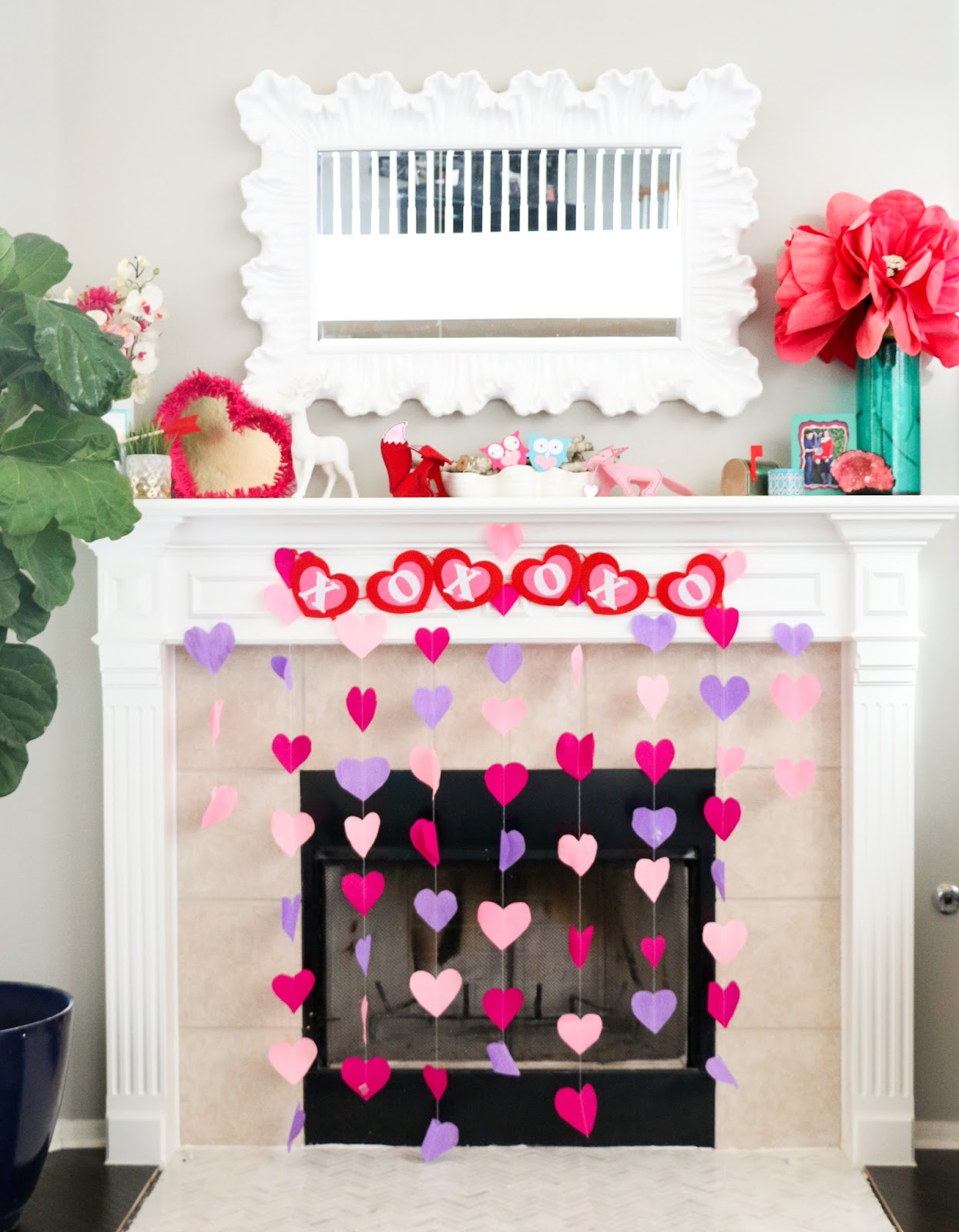 Diy it crepe paper heart decorations a kailo chic life for Decor using crepe paper