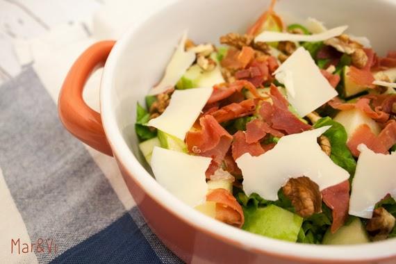 Receta de ensalada con manzanas, jamón y nueces