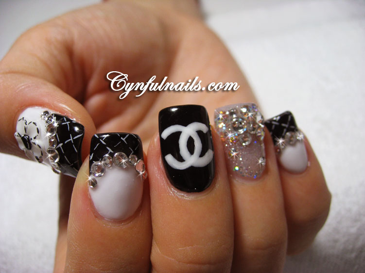 Nail designs: Black White nail designs