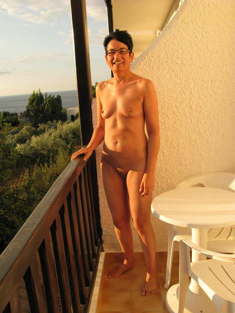 Nudist picture of the day