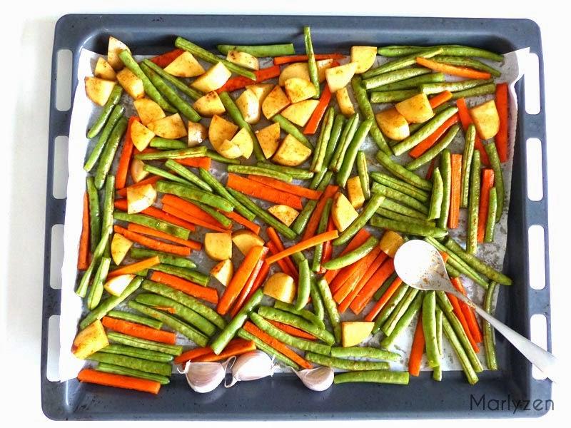 Déposez les légumes sur une plaque de cuisson.