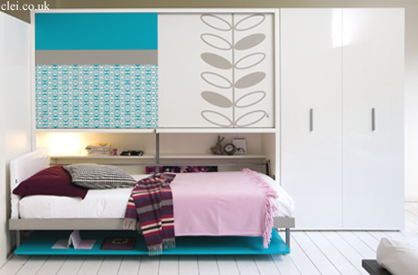 cama plegable con mesa de estudio y armario