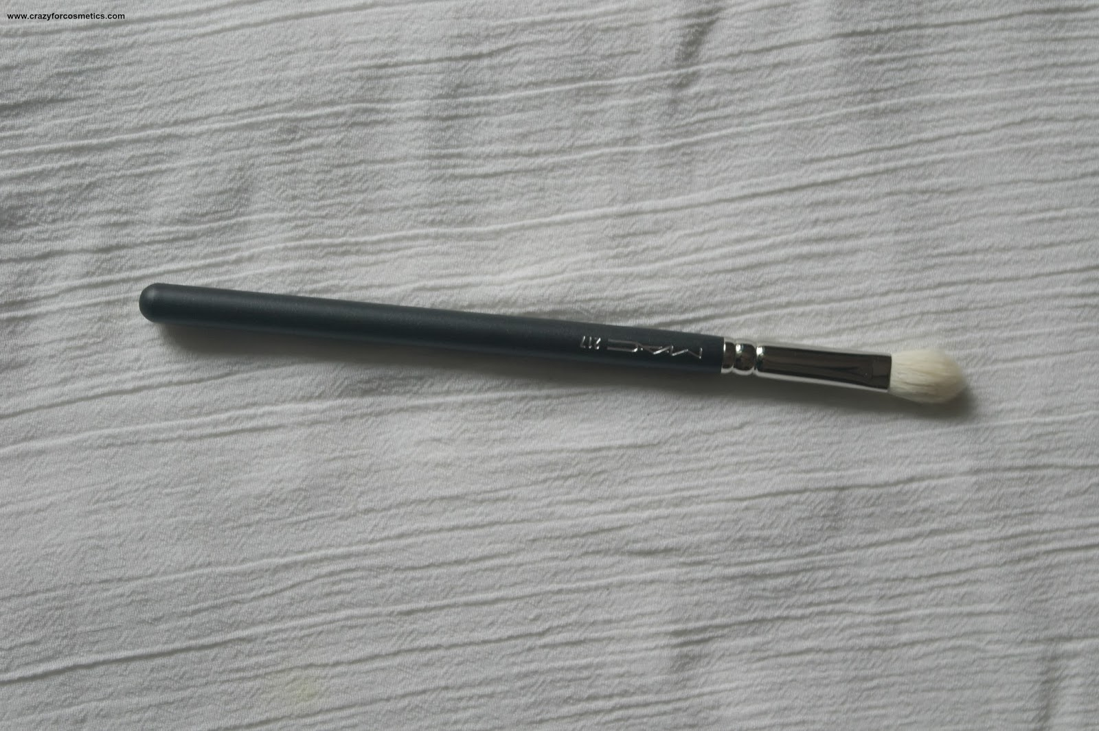 MAC eyeshadow blending brush no 217