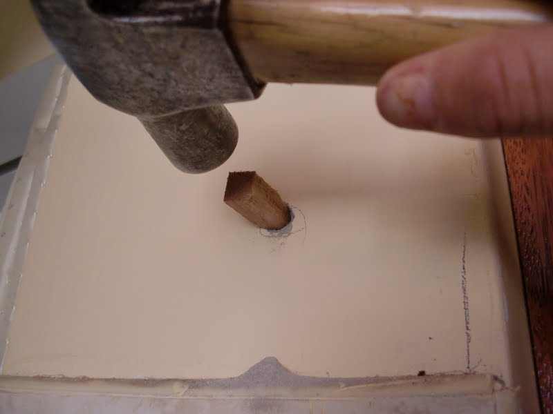 Decoraciones manualidades en madera como colocar puerta for Como poner una puerta de madera