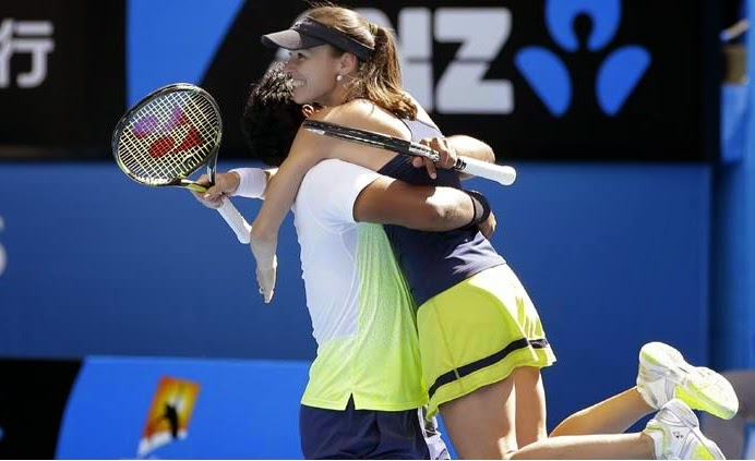 Leander Paes and Martina Hingis win Australian Open 2015 Title