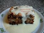 Mézeskalács fűszeres rakott kenyér vanília öntettel, a megmaradt szikkadt kényérből is lehet finomságot készíteni.