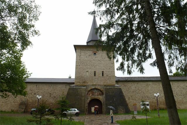 Entrada al Monasterio de Suceviţa