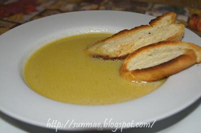 zuppa di aglio ( aigo bouido julia child )
