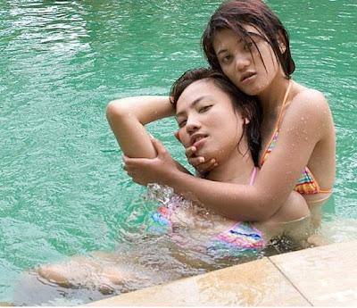 Hot Bikini Party ABG Nakal di Kolam Renang