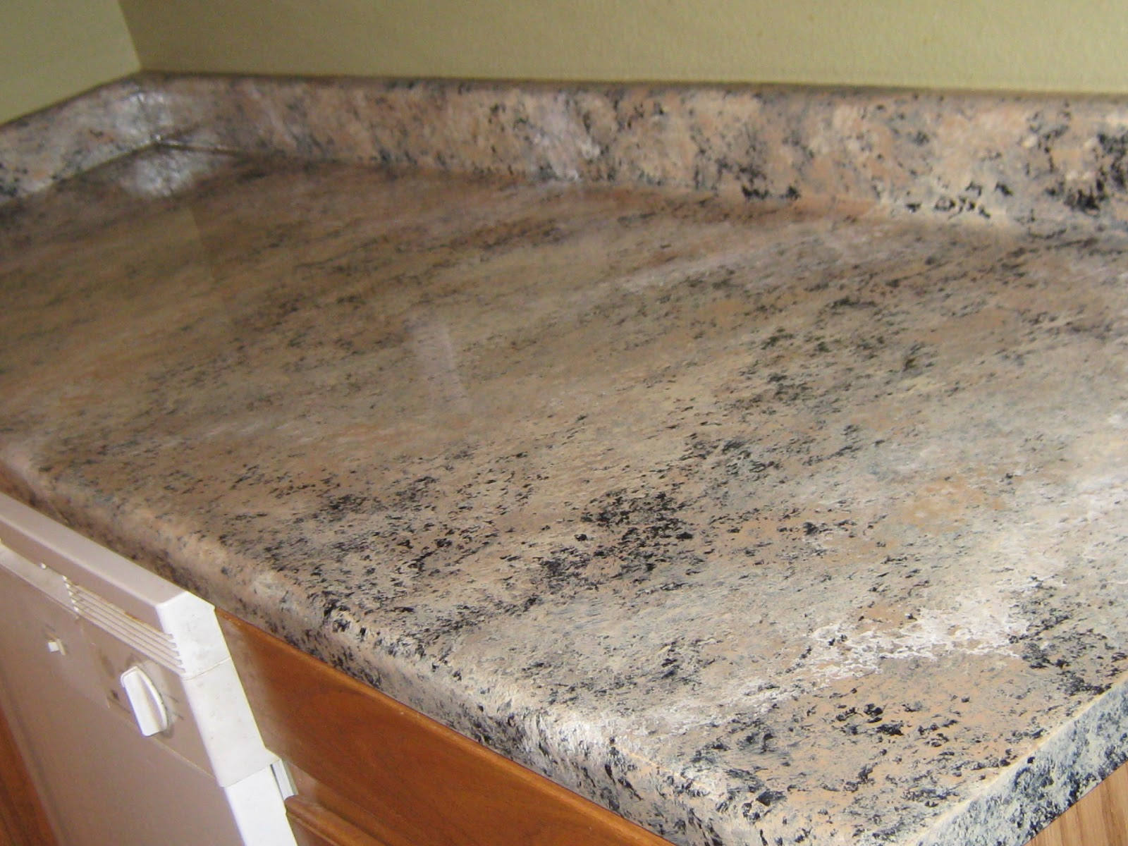 PAINTING FORMICA TO LOOK LIKE GRANITE (Part III)