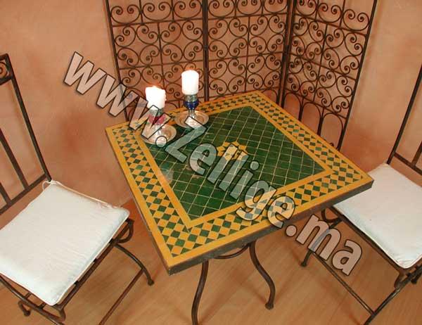 table zellige marocain carre jaune et vert - Zellige Beldi Une Colonne Dans Un Salon Moderne