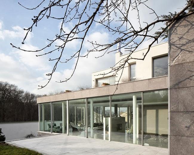 Casas minimalistas y modernas casa de vidrio en paris for Casa minimalista vidrio
