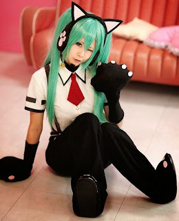 Ryuga cosplay as Vocaloid Neko Hatsune Miku