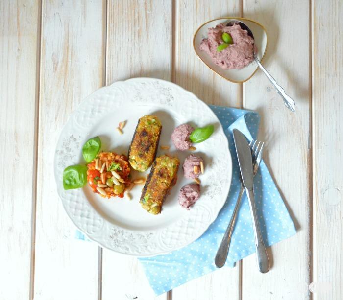 ich bin umgezogen auf zucchini dattel k fte mit bohnen hummus und. Black Bedroom Furniture Sets. Home Design Ideas