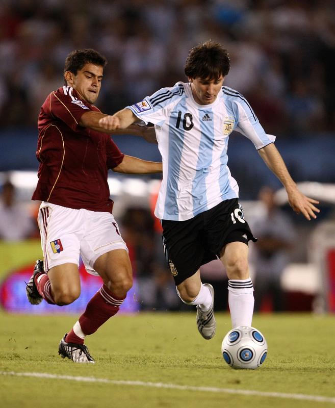 wallpaper lionel messi 2010. Argentina Team Wallpapers