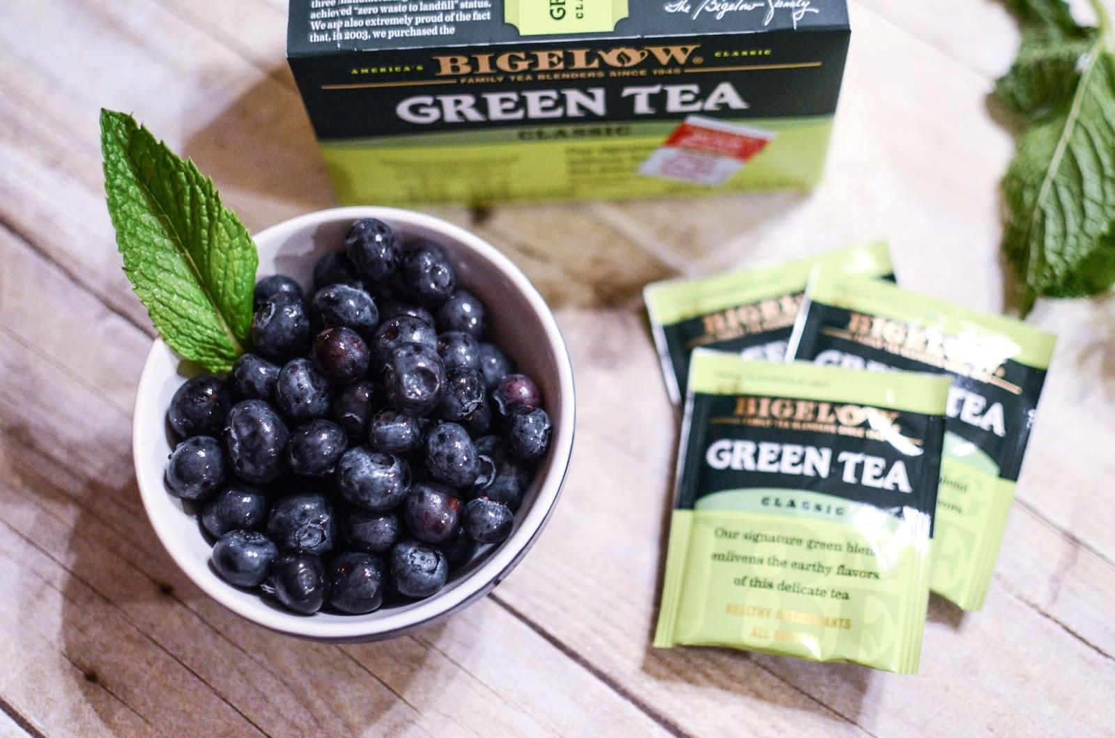 Heavens to Betsy: Blueberry Mint Iced Green Tea