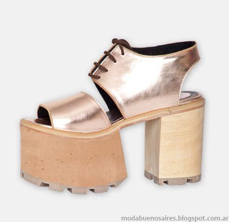 Sandalias doradas primavera verano 2015 Hoku Shoes.