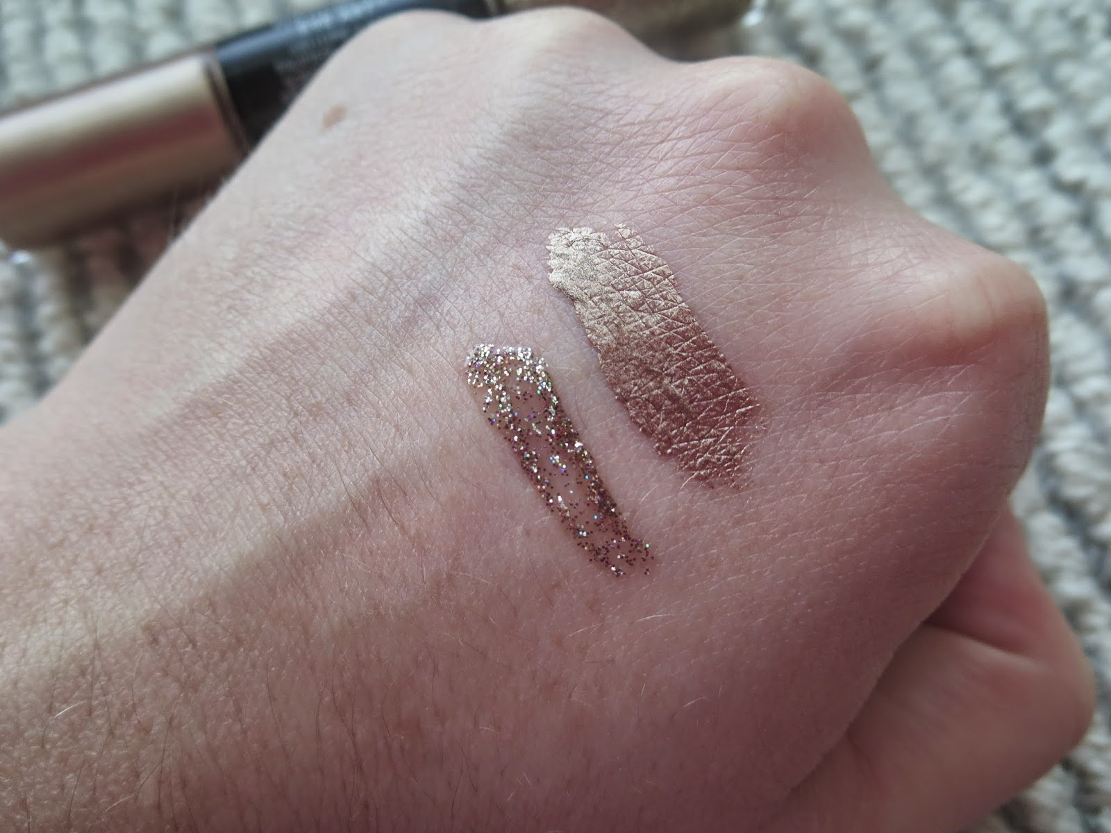 a picture of a swatch of Revlon Photoready Eye Art Lid+Line+Lash in Topaz Twinkle