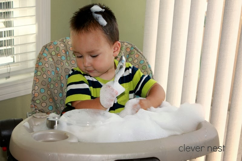 Bubbles on a tray, and 21 other ideas to keep Toddlers busy during Pregnancy! #free #99cent #clevernest #maternity #roundup #bedrest #sickday #preschool #kitchen