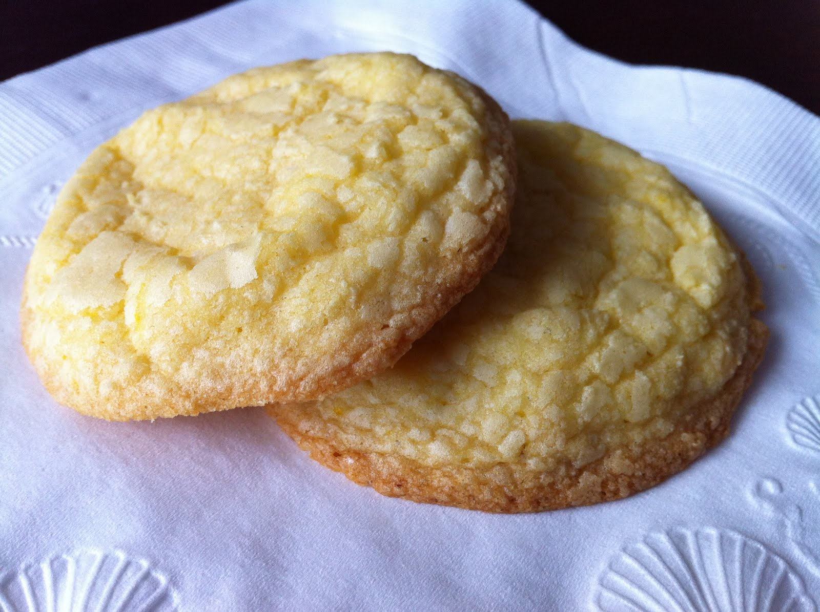 Life in Spoonfuls: Lemon White Chocolate Cookies.