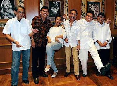Kumpulan muzik legenda Indonesia D'lloyd