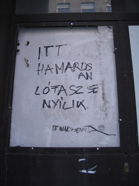 street art, falfirka, tag, vicces, Budapest, Rottenbiller utca, VII. kerület