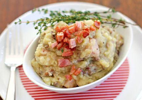 Niet platgekookte maar lekker stevige stamppot: hete bliksem met aardappel, appel en spek