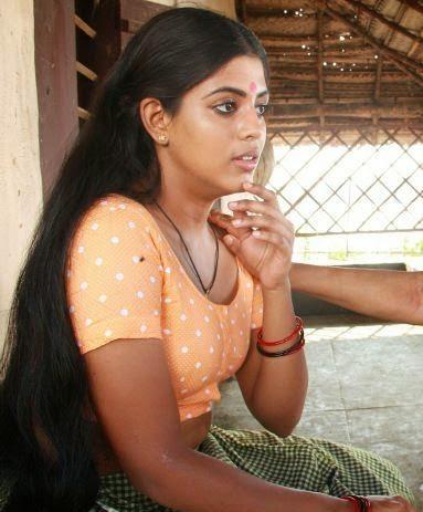 actress iniya hot navel show malayalam actress in blouse