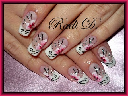 Перманентен френч с розови цветя
