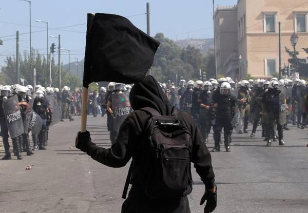 Εξέγερση στην Ελλάδα βλέπουν κάποιοι Γερμανοί. Του Γ. Δελαστίκ