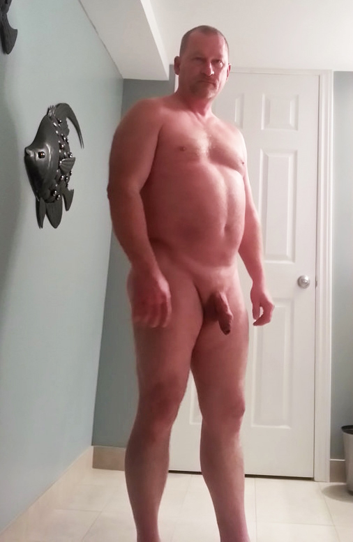 Seeking mature woman to spank me