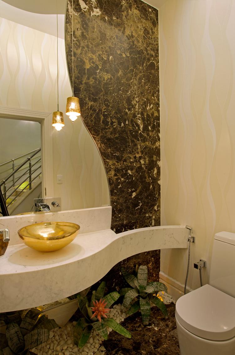 decoracao bancada lavabo : decoracao bancada lavabo:Casa com arquitetura e decoração contemporânea e clássica – linda