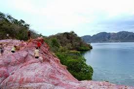 Pulau Merah atau red island banyuwangi