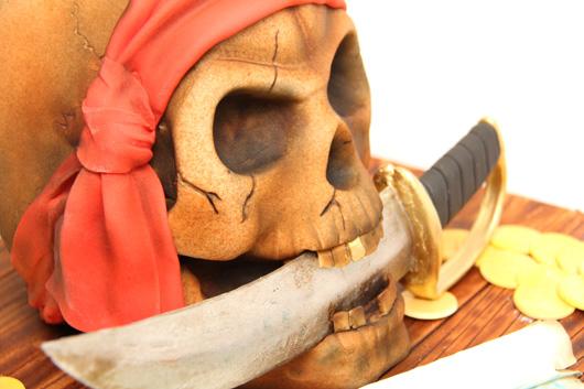 Michelle Cake Artist : Pirate Skull Cake