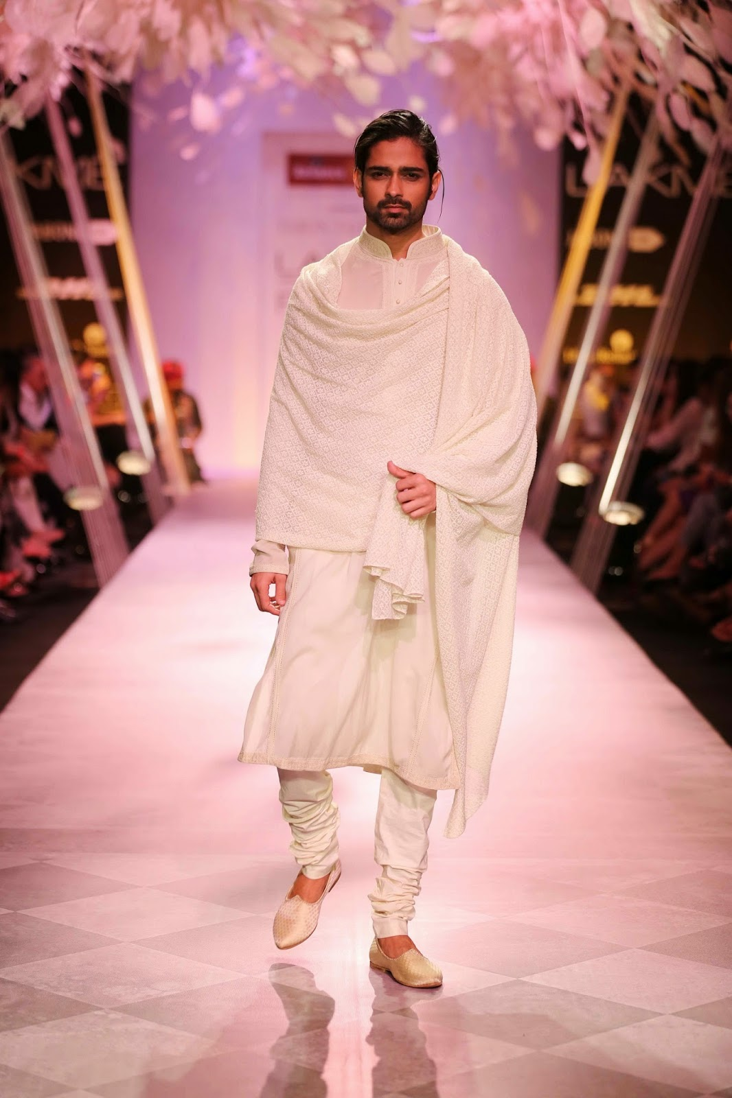 Colours caused a riot on the ramp, as indigo, mustard, fuchsia turned into sunset hues while the sombre black, white, ivory and beige kept the tones under control.