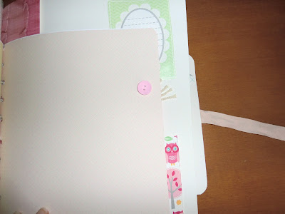 Página decorada con botón rosa