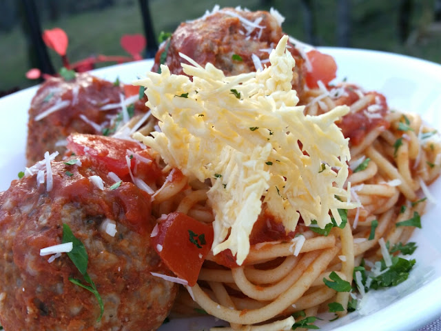 Spaghetti and Rigali Meatballs aka Tauntaun Guts with Starkillers Recipe