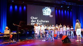 Chor der Kulturen der Welt, Lifelines Roedelius / photo S. Mazars