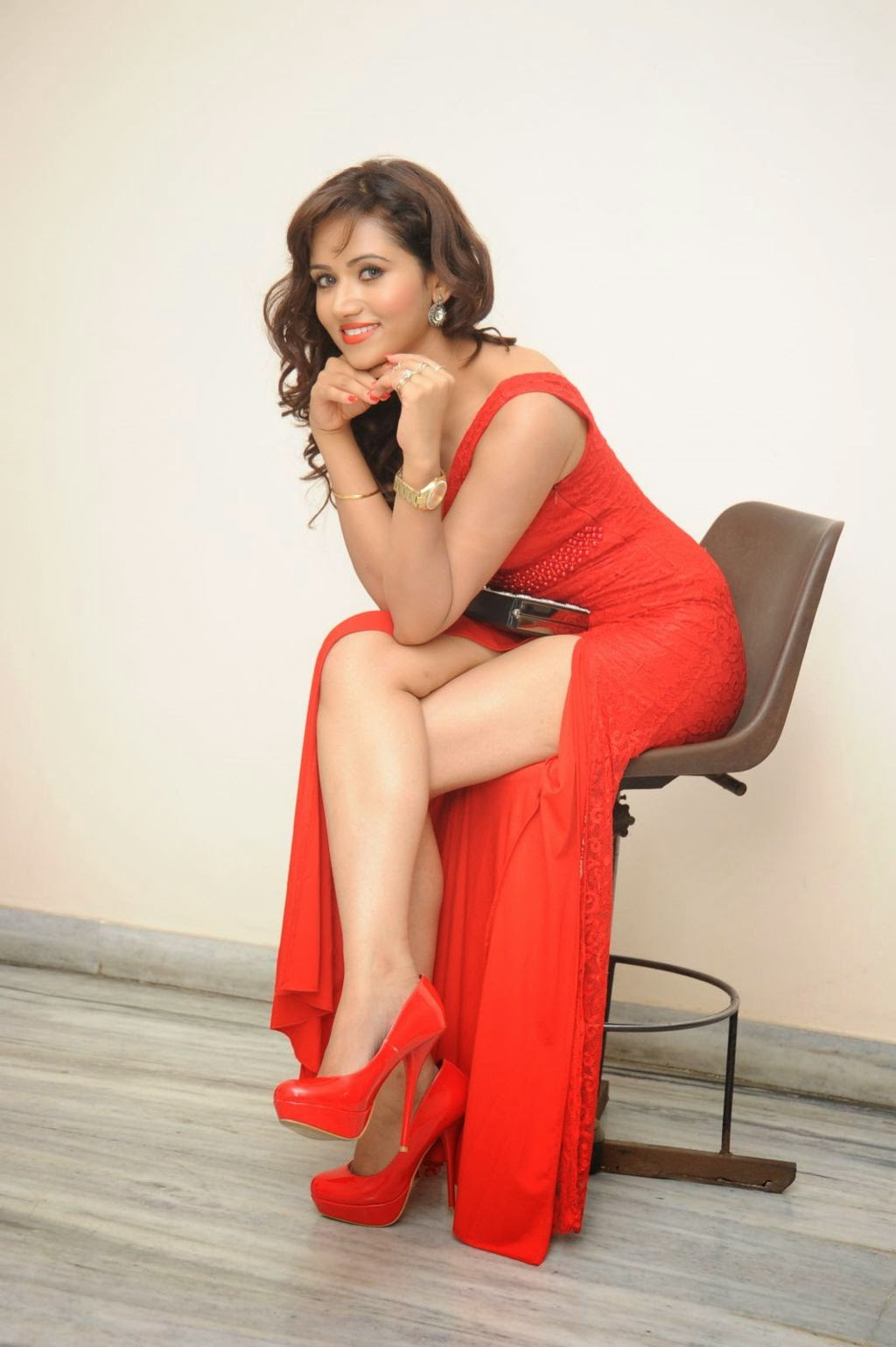 Preethi Rana latest glam pics in red-thumbnail-1