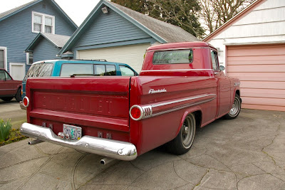 Chevrolet on Old Parked Cars  1959 Chevrolet Apache 32 Fleetside