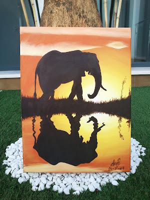 Elefante reflejado en un atardecer africano, al óleo